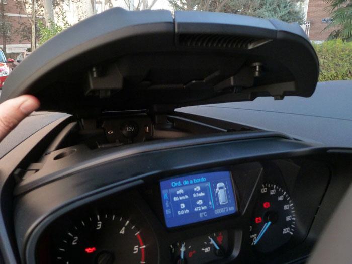 Ford Tourneo Custom. Salpicadero, receptáculo