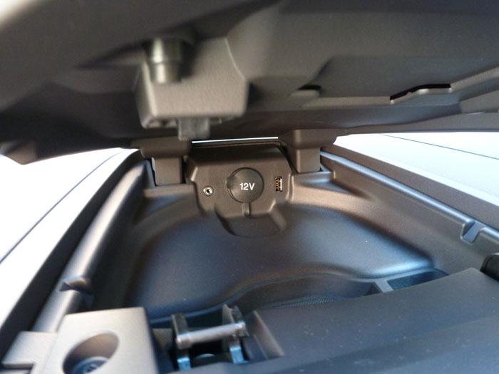 Ford Tourneo Custom. Conexión para fuente externa.