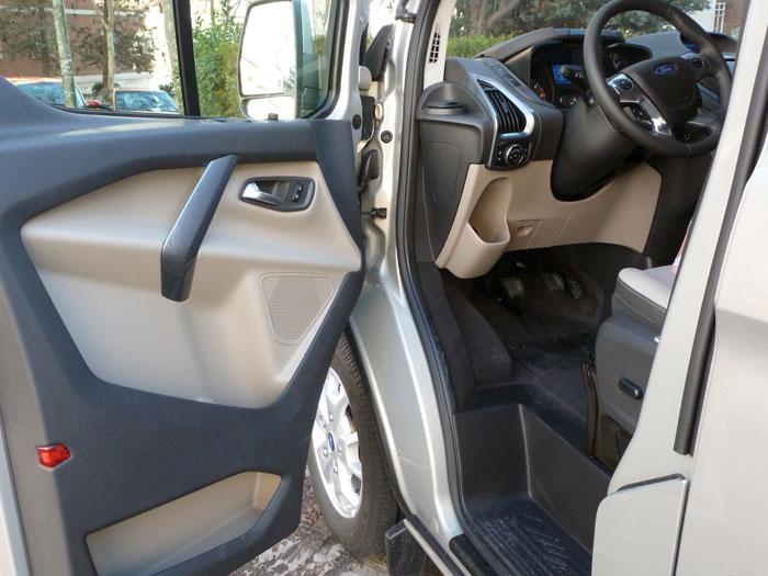 Ford Tourneo Custom. Puerta