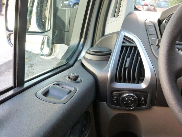Ford Tourneo Custom. Salida de aire acondicionado