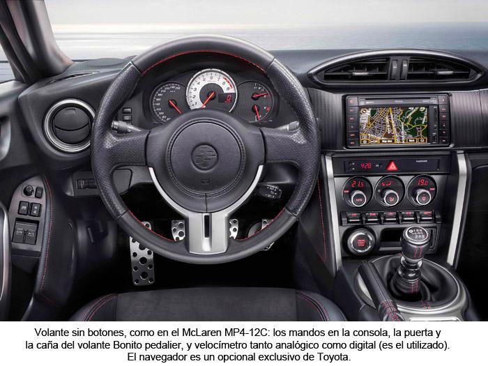 GT 86. Interior. Mandos volante. Consola central