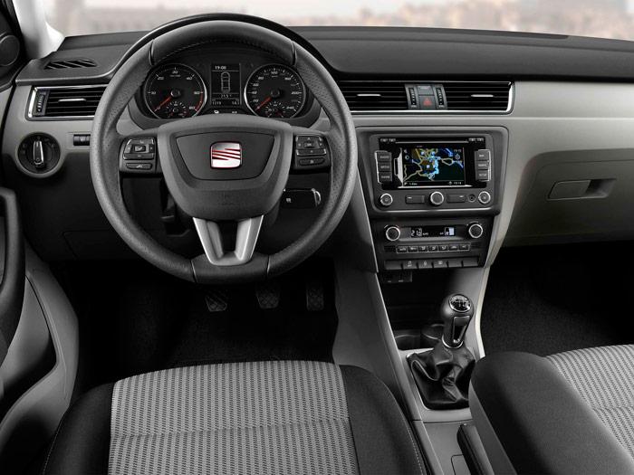 SEAT Toledo. Interior, salpicadero, volante, mandos