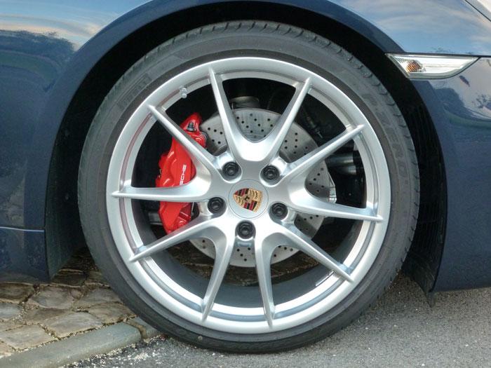 Porsche Cayman. Llanta Carrera S de 20 pulgadas. Azul Aqua Metalizado