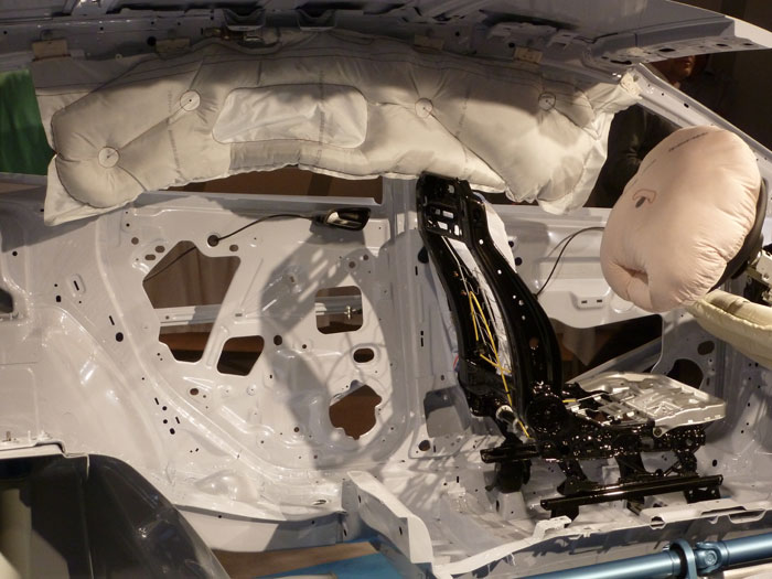Ford Kuga. Técnica. Airbags laterales y frontal