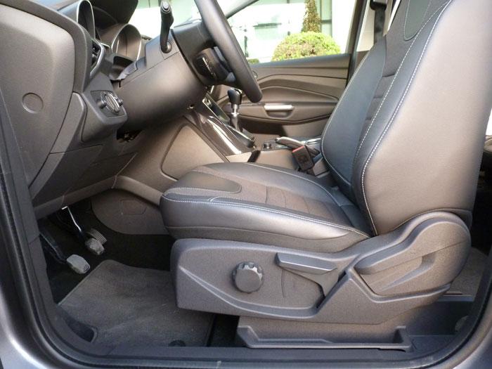 Ford Kuga. Regulación asientos