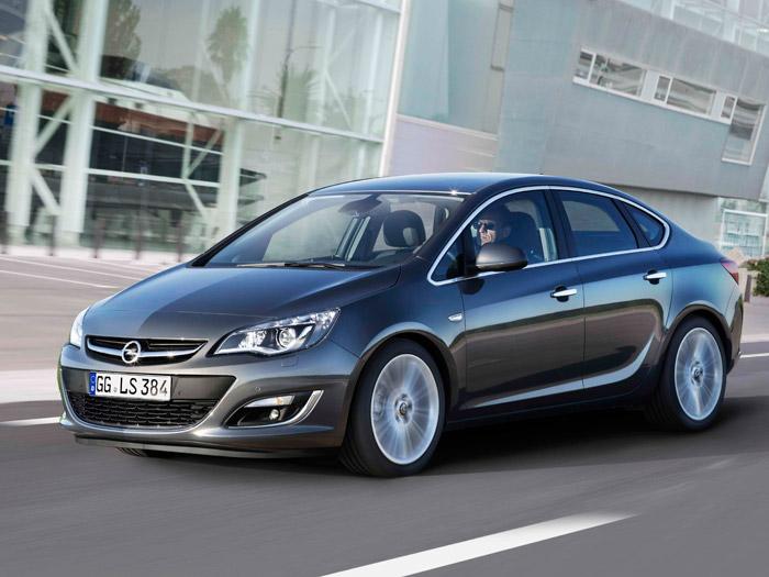 Opel Astra Sedán. Prueba de consumo