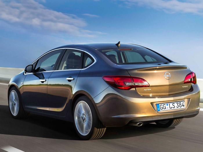 Opel Astra Sedán. Prueba de consumo. Posterior