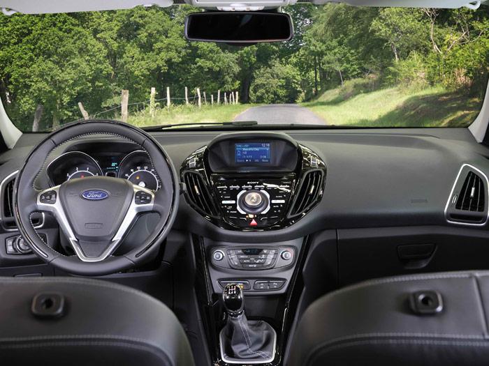 Ford B-MAX. Interior, mandos salpicadero, volante.