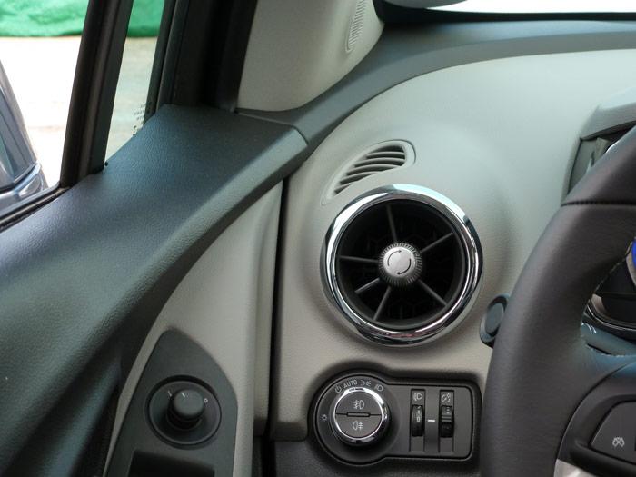 Chevrolet Trax 2013. Salida de aire acondicionado.