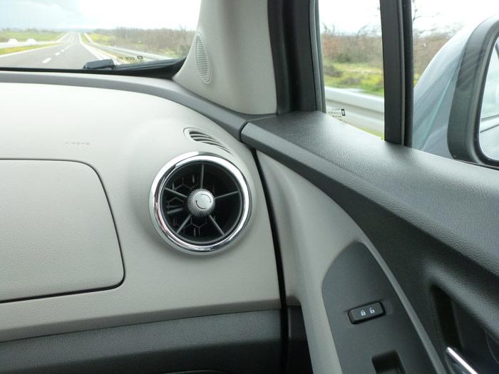 Chevrolet Trax 2013. Salidas de aire acondicionado