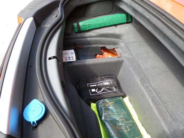 Jaguar F-Type 2013. Huecos en el maletero