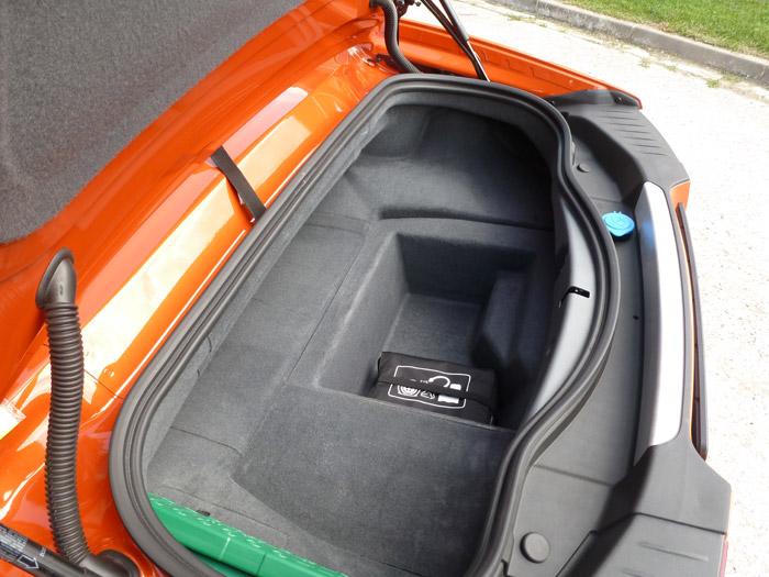 Jaguar F-Type 2013. Maletero