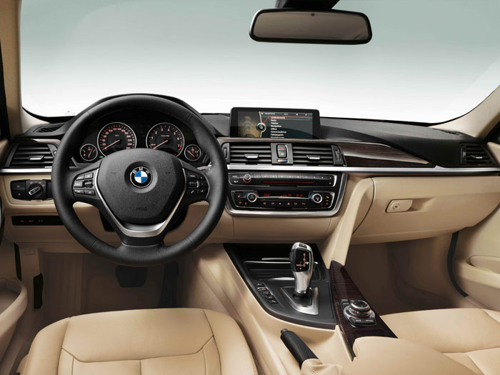 BMW 320d EfficientDynamics automático. Interior, slapicadero, volante.