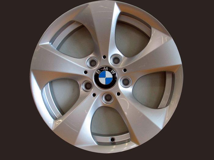BMW 320d EfficientDynamics automático. LLanta
