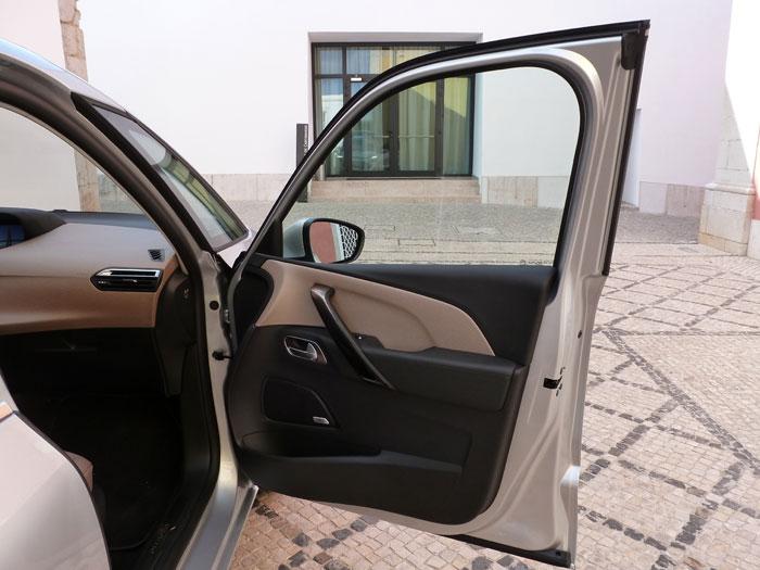 Citroën C4 Picasso THP 155 Exclusive. 2013. Puerta derecha