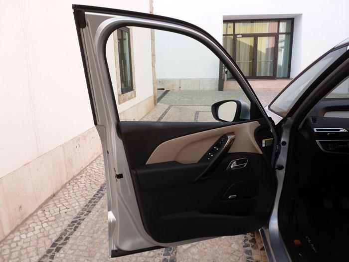 Citroën C4 Picasso THP 155 Exclusive. 2013. Puerta izquierda