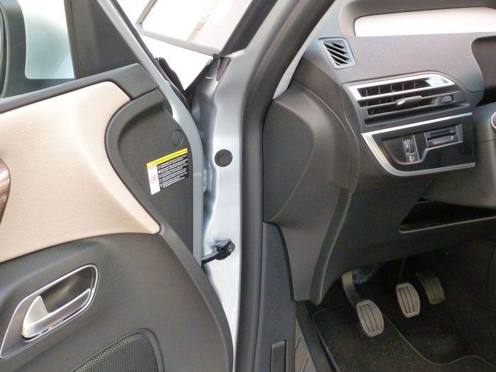 Citro n c4 picasso exclusive detalles de interior for Puerta que abre para los dos lados
