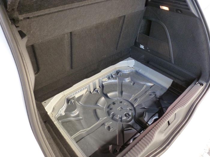 Citroën C4 Picasso THP 155 Exclusive. 2013. Hueco de la rueda de repuesto