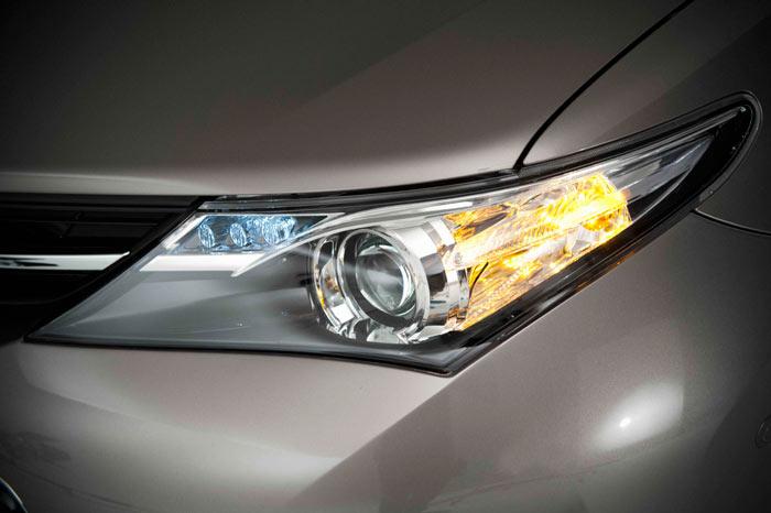 Toyota Auris. Faro