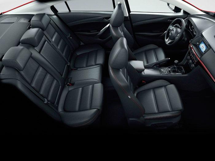 Mazda6. Habitáculo, asientos