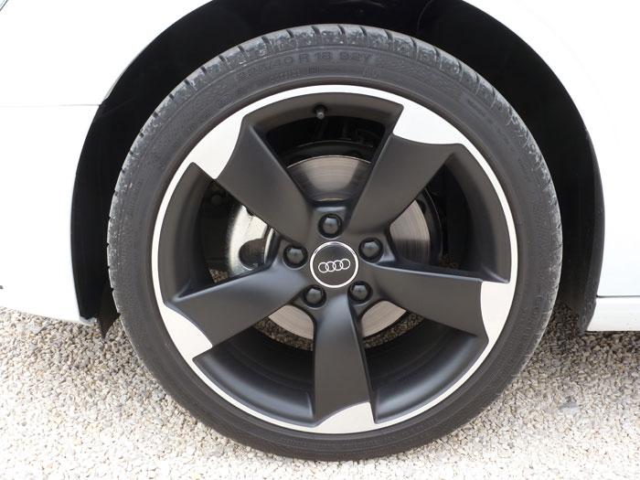 Audi A3 Sedan. 2013. Llanta aleación de 18 pulgadas