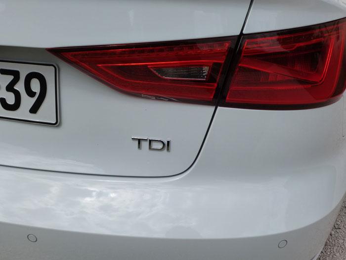 Audi A3 Sedan. 2013. Motor TDI. Blanco Amalfi