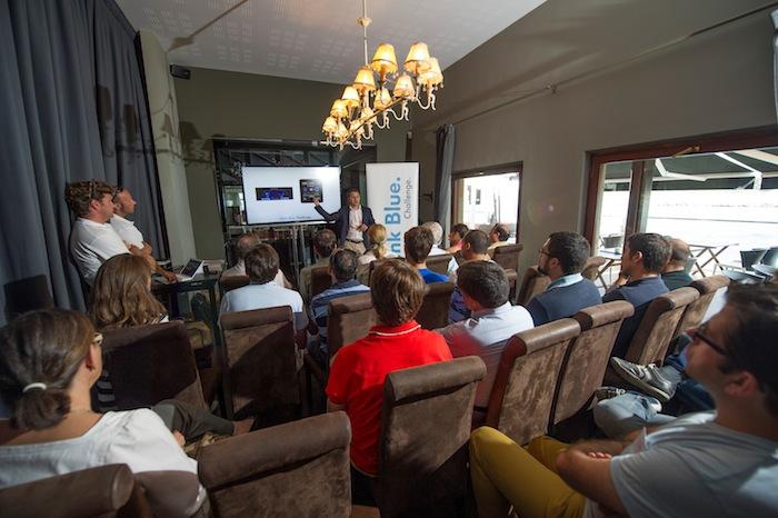 Briefing antes de la prueba. Think Blue. Challenge 2013. Spain.