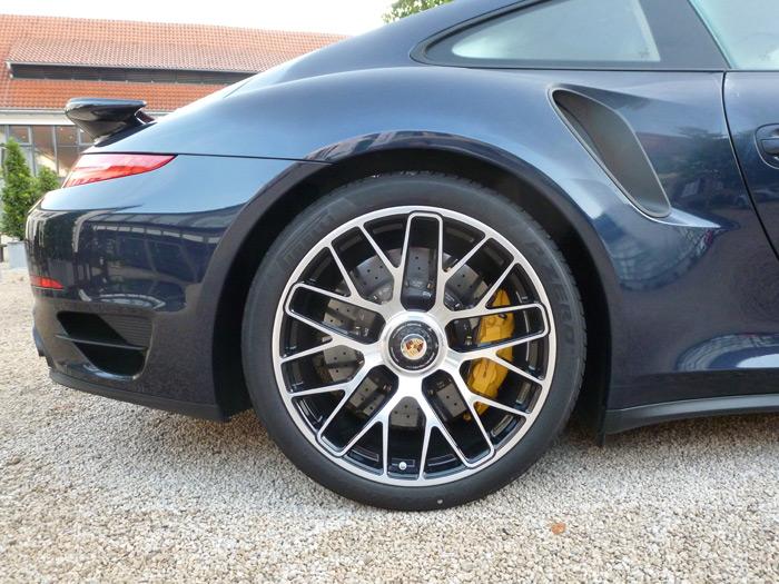 Porsche 911 Turbo S. 2013. Azul oscuro metalizado