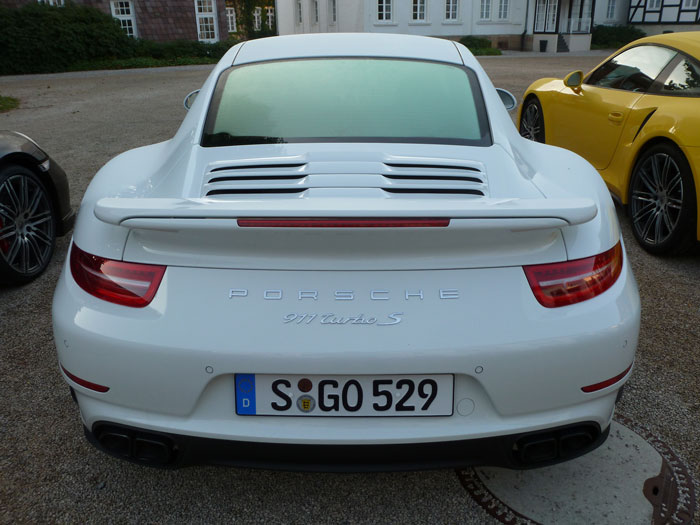 Porsche 911 Turbo S. 2013. Color blanco