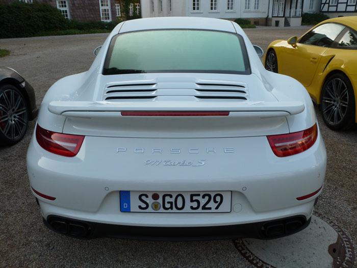 Porsche 911 Turbo S. 2013. Color blanco