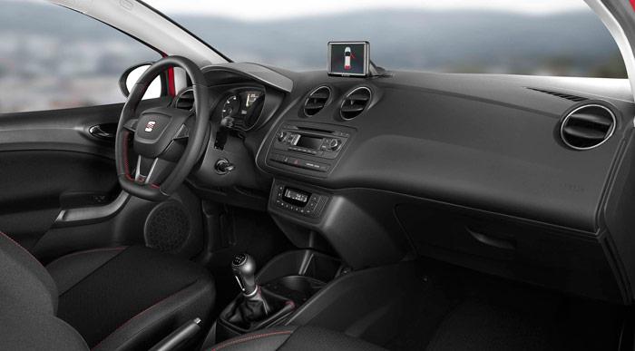 Seat Ibiza FR 1.2. Interior, asientos, volante