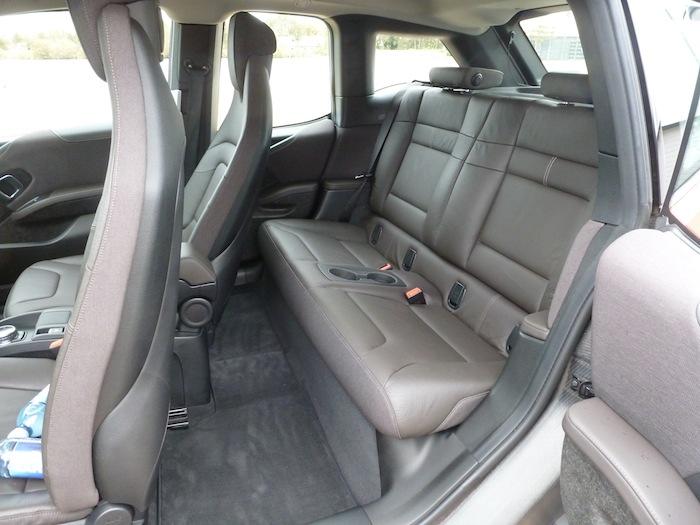 BMW i3. Asientos traseros