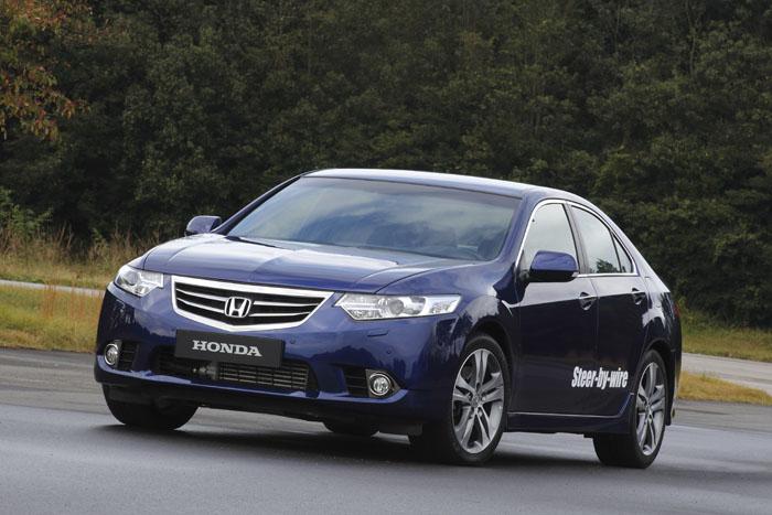 Honda Accord con dirección por cable