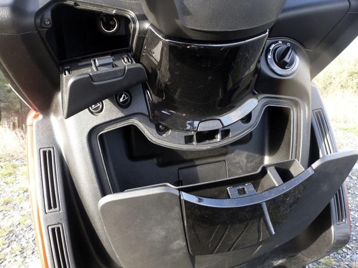 Peugeot Metropolis. Espacios
