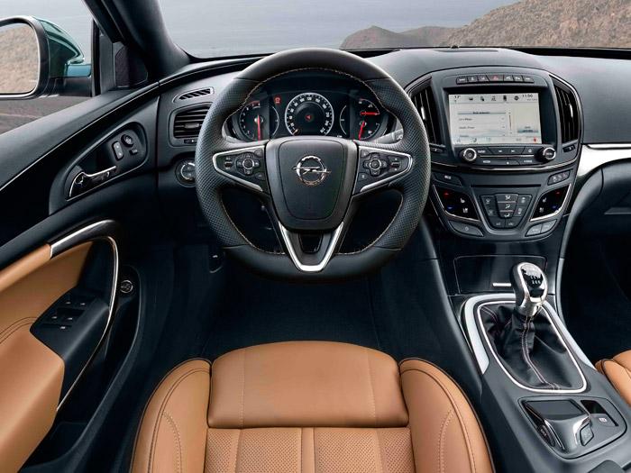 Opel Insignia. Prueba de consumo. Salpicadero