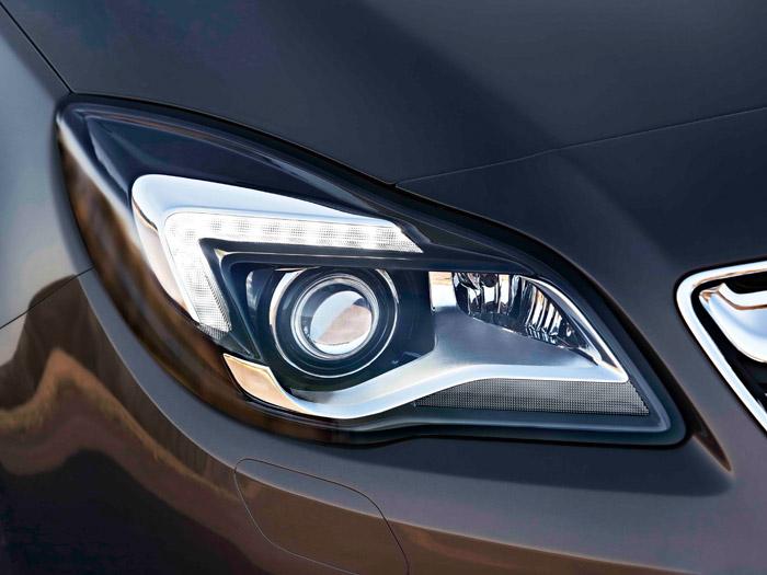 Opel Insignia. Prueba de consumo. Faro
