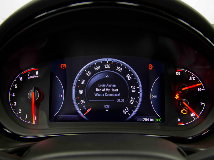 Opel Insignia. Prueba de consumo. Cuadro de instrumentación.