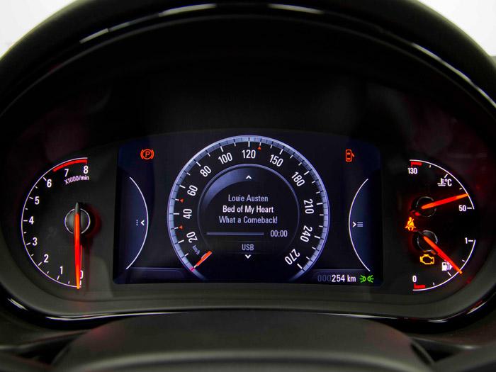 Pantalla central tipo Digital Cockpit del audi - volkswagen Insignia_09