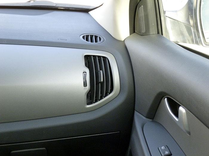 KIA Sportage. 2014. Salida sistema de ventilación, puesto del copiloto.