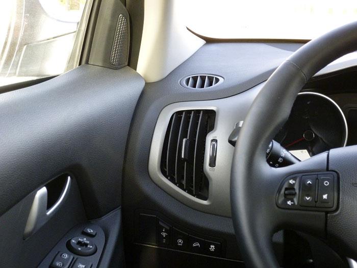 KIA Sportage. 2014. Salida sistema de ventilación, puesto del conductor.