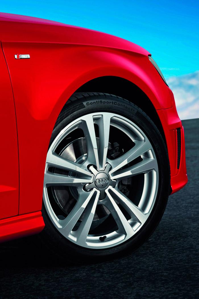 Idéntico acabado (S-Line), llanta, medida de neumático, marca y tipo del mismo que en la unidad de pruebas; pero la nuestra era gris-plata.
