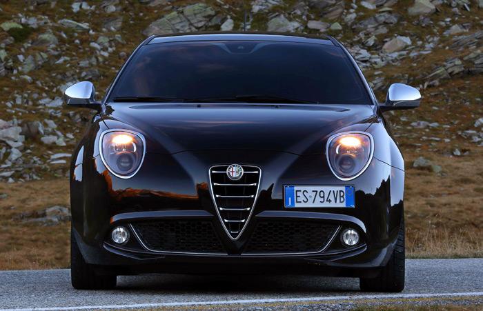 El frontal del MiTo es prácticamente idéntico para todas sus variantes y motorizaciones.