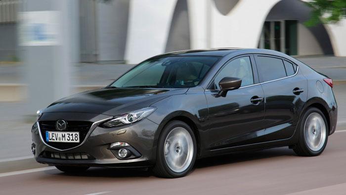 Un joven/viejo conocido de hace dos semanas: el Mazda-3 Sedán.