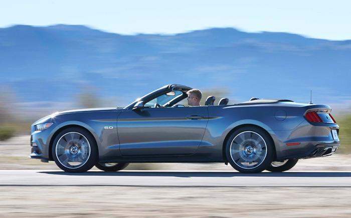 Y aquí tenemos al flamante Nuevo Mustang, con un motor 5.0 V8 de 426 CV; pero, como se dice en el texto, ahora ya sin eje rígido trasero.