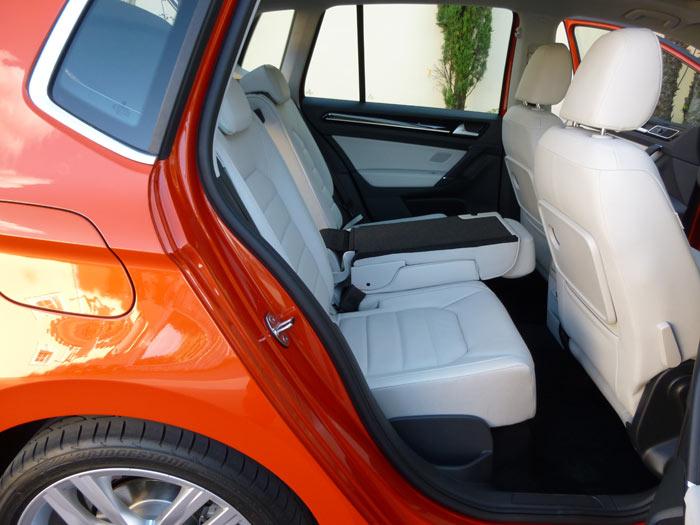 Volkswagen Golf Sportsvan 2014 Asientos Traseros