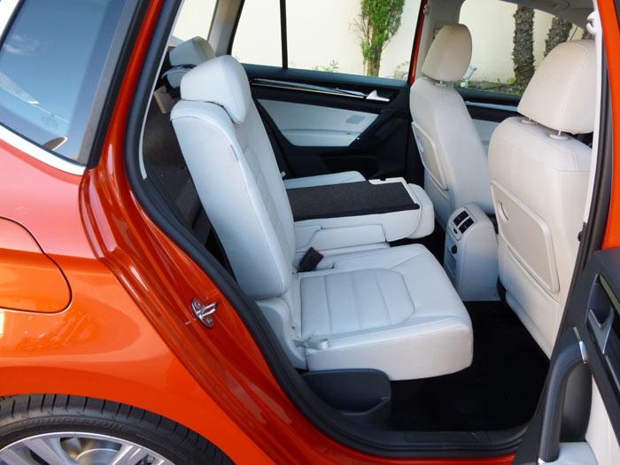 Volkswagen Golf Sportsvan 2014 apoyabrazos