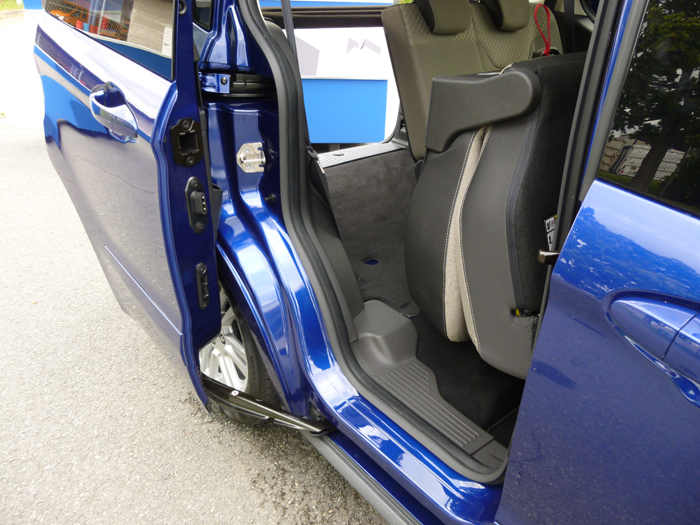 Ford tourneo Courier 2014. Puerta corredera
