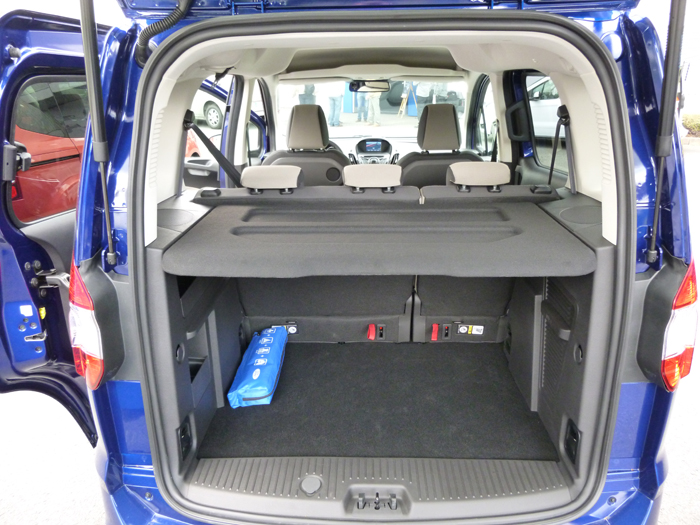 Ford tourneo Courier 2014. Maletero