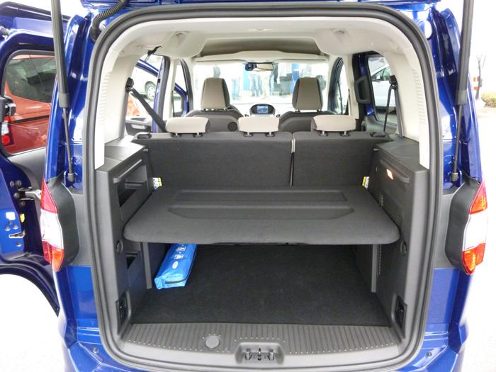 Ford tourneo Courier 2014. Maletero