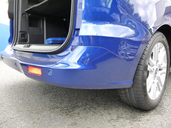 Ford tourneo Courier 2014. Altura de carga